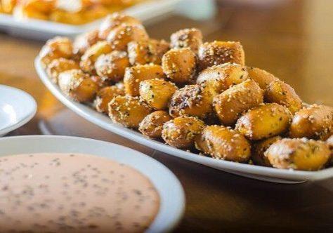Garlic Sesame Pretzel Bites Photo